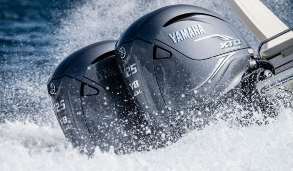 Yamaha-V8-XTO_1-938x580